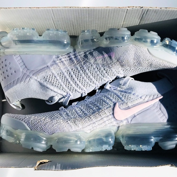 detailed pictures 27580 c372b Nike Air Vapormax Flyknit 2 Platinum Arctic Pink